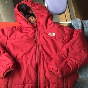 Cranberry 5T zip front hooded reversible Northface